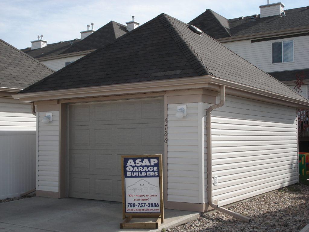 Hip Cottage garage roof